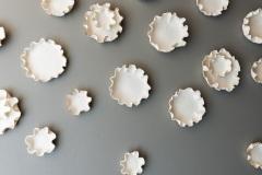 Nuvola, installazione site specific in porcellana e oro, 2018 (abitazione privata)